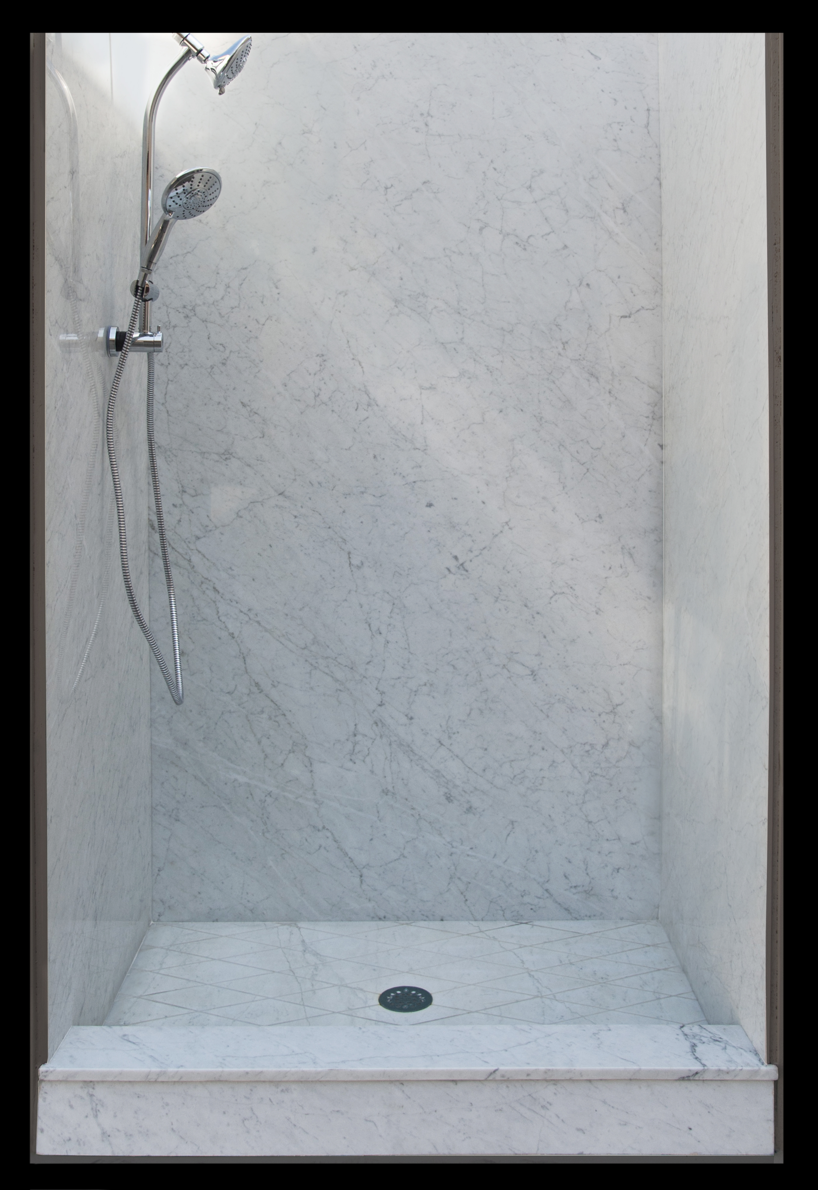 Your Shower Remodel: The Advantages of Marble vs. Cultured Marble